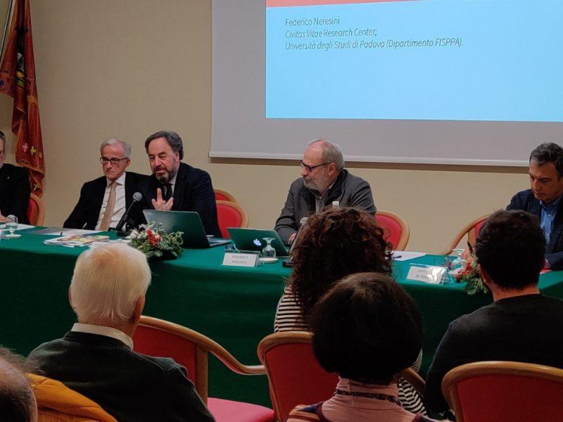 tavolo dei relatori di Rethinking Ageing 2019