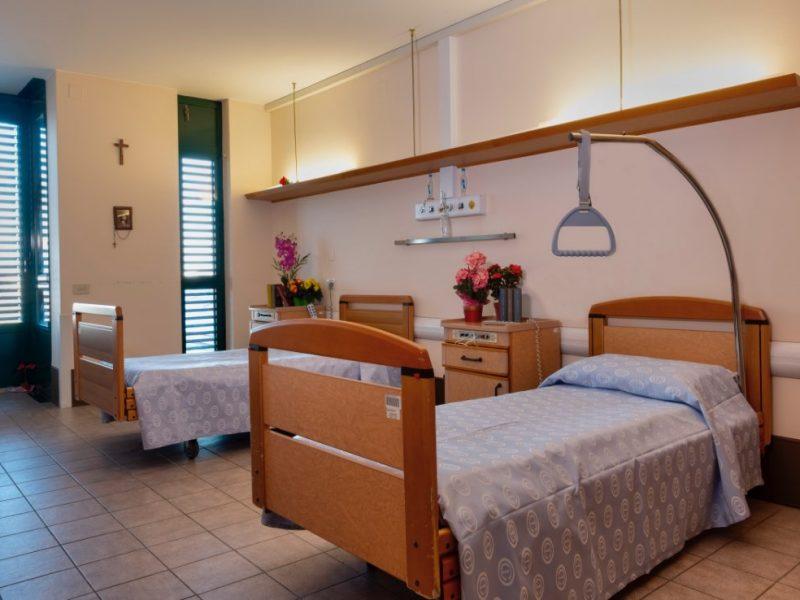 una stanza doppia per persone non autosufficienti