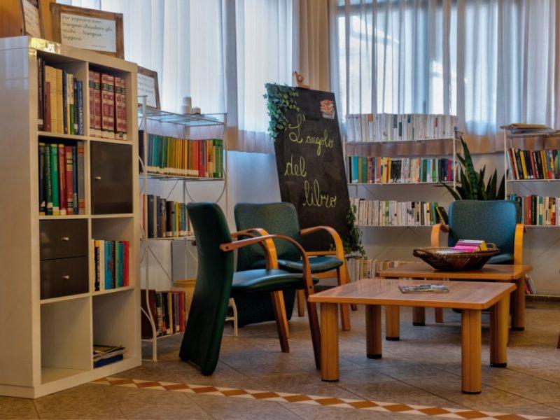 l'angolo per la lettura e la socializzazione