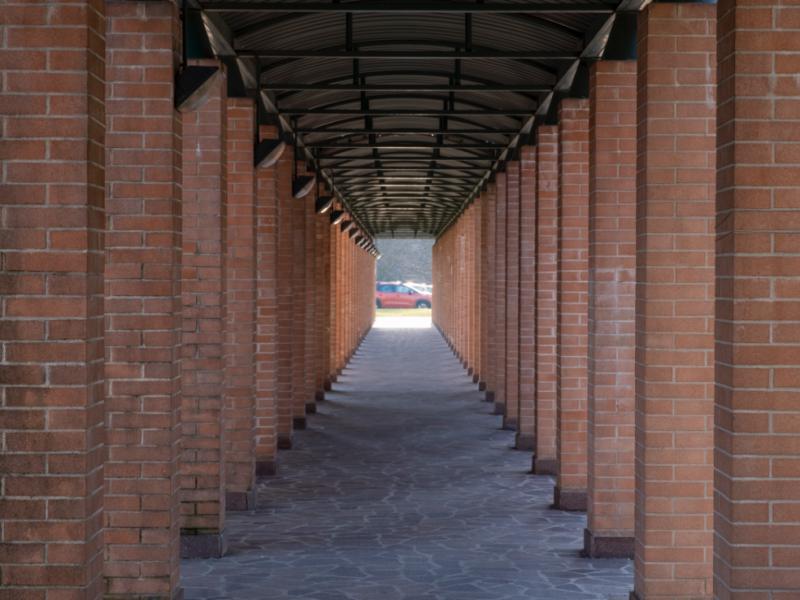 corridoio coperto di accesso alla Residenze Pio XII e Paolo VI